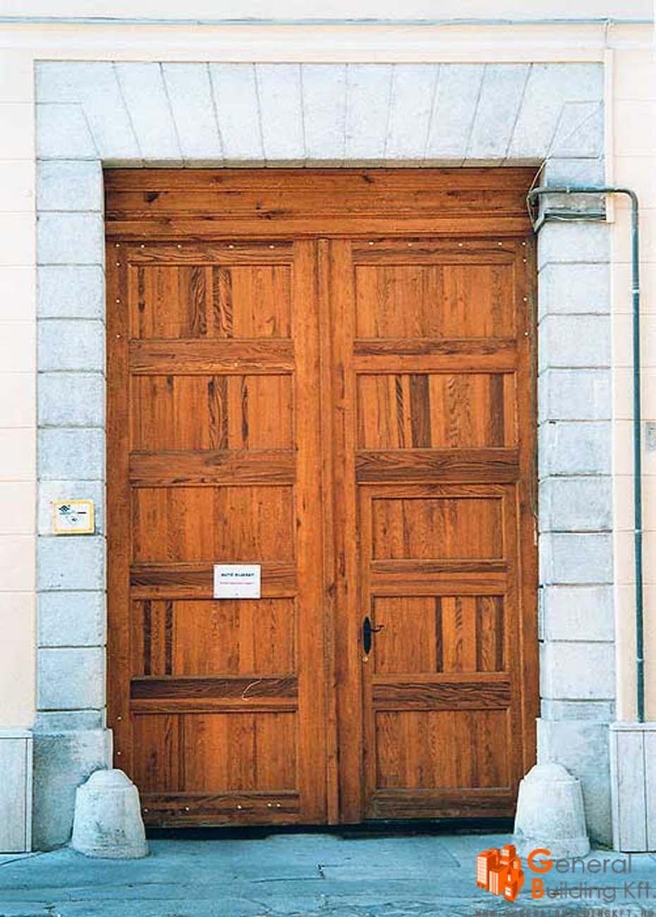 bejárati kapu felújítása