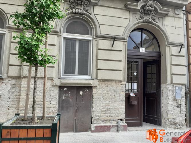 Lábazat felújítása - Dembinszky utca 19