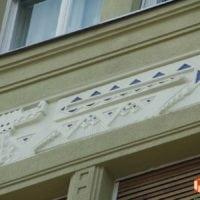Fő utca homlokzati díszek pótlása-javítása