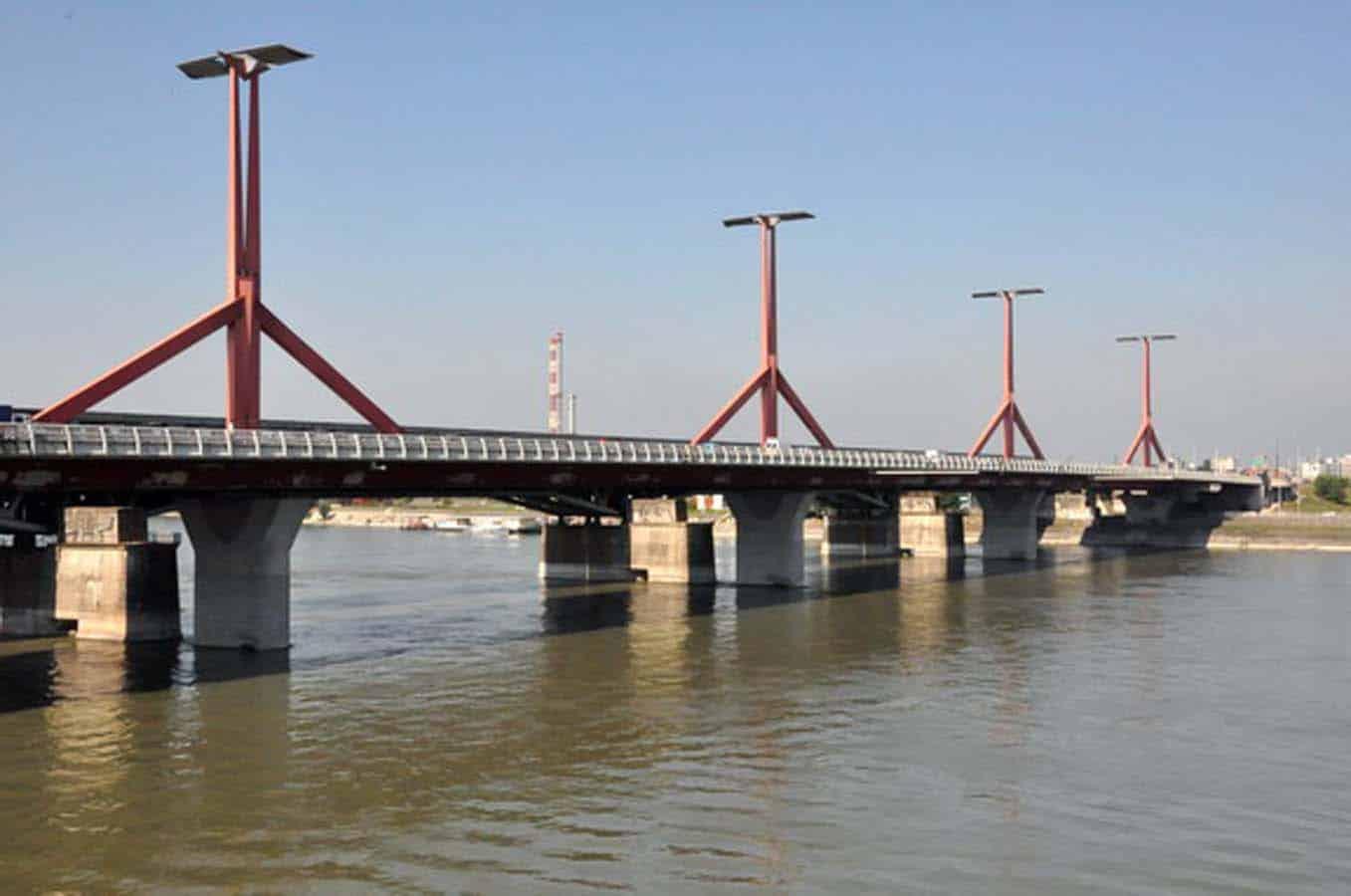 Lágymányosi híd acélszerkezet festése